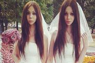 俄罗斯一对都穿婚纱结婚的美艳新人…. 其实丈夫真的是汉子…